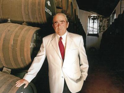 エミリオ・ルスタウ